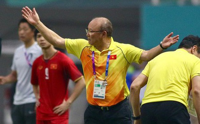 HLV Lê Thụy Hải: Ông Park muốn thắng trong 90 phút thì phải chơi tấn công nhưng không nên