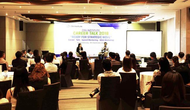 """Diễn giả Ngô Thế Triệu, CFA tại Hội thảo nghề nghiệp 2018: """"Để thành công, đừng đứng lại"""""""