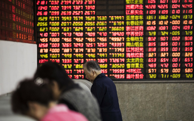 Chứng khoán Trung Quốc gần chạm đáy 4 năm bất chấp Chính phủ liên tục tung các biện pháp cứu thị trường