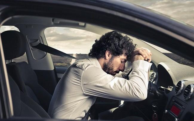 Vụ giám đốc trẻ tử vong khi ngủ trong ô tô: Những lưu ý sống còn bất cứ lái xe nào cũng phải ghi nhớ để bảo toàn tính mạng