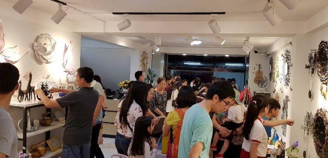 Cư dân mạng đang rộ lên trào lưu mua đồng hồ trang trí mới lạ mang thương hiệu BISA