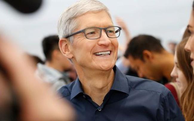 CEO Tim Cook giải thích tại sao sản phẩm Apple thoát được thuế quan vào phút chót