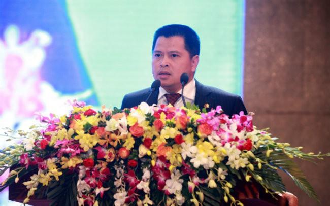 Vợ chồng Chủ tịch VPBank muốn tăng sở hữu cổ phiếu VPB