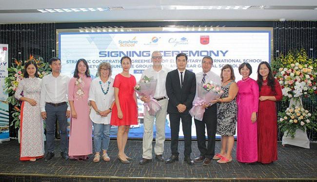 Sunshine Group tiếp tục ký hợp tác với Maple Bear Global Schools, Canada phát triển hệ thống trường Tiểu học quốc tế