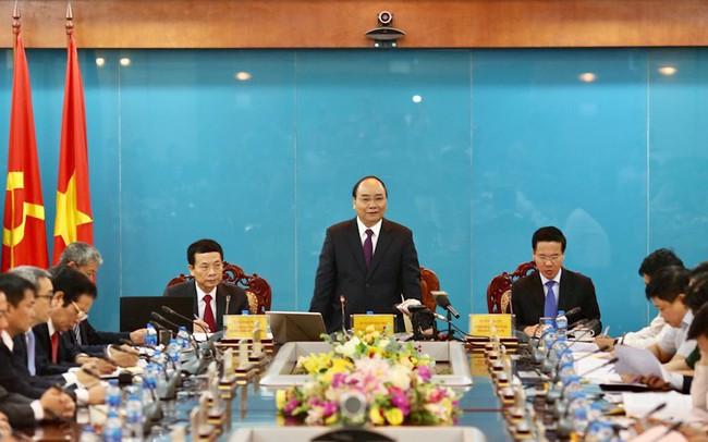 Quyền Bộ trưởng Nguyễn Mạnh Hùng: Khoảng 10 năm nữa, bưu chính sẽ vượt viễn thông về doanh thu