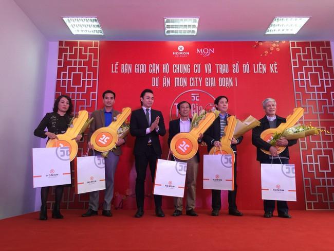 Mon City: Bàn giao căn hộ chung cư và trao sổ đỏ cho cư dân khu liền kề với thời gian cực ngắn