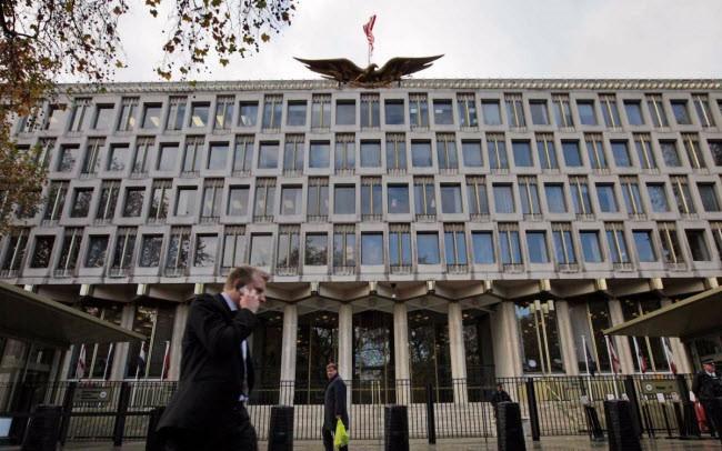 """Tổng thống Trump hủy chuyến thăm đến Anh vì """"không thích tòa nhà Đại sứ quán Mỹ mới ở London"""""""