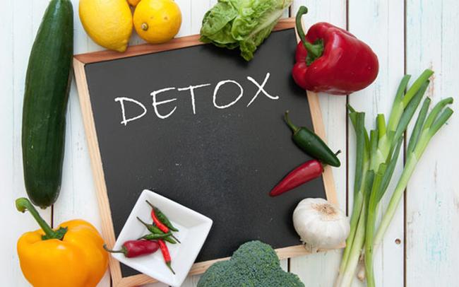"""Bác sĩ bệnh viên Bạch Mai """"mổ xẻ"""" trào lưu detox đang tràn lan: Thải độc cơ thể hay sự đánh tráo khái niệm?"""