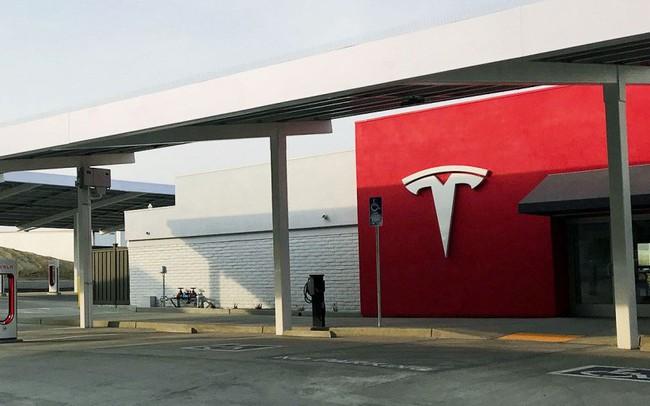 Trạm sạc xe điện 'sang chảnh' của Tesla