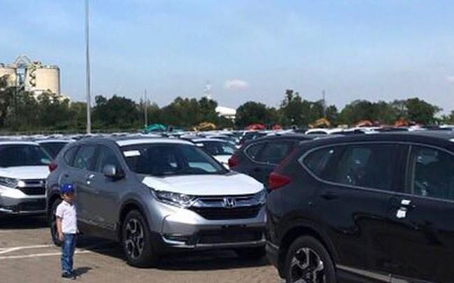 Ô tô dưới 9 chỗ ngồi nhập về Việt Nam giảm gần 10.000 chiếc