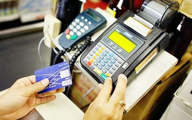 NHNN bỏ đề xuất cho phép rút tiền mặt qua máy POS