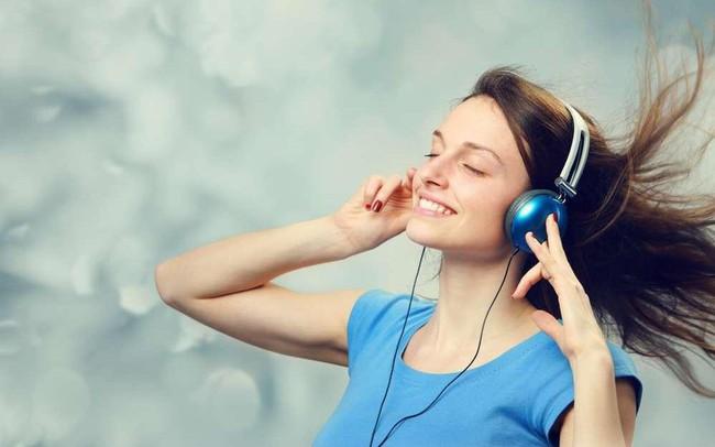 Khoa học chứng minh: Nghe những bài hát có giai điệu chậm rãi nhẹ nhàng sẽ giúp làm giảm căng thẳng và đau đớn