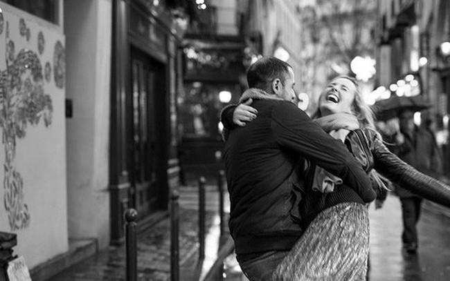 Muốn hạnh phúc? Hãy học theo người Paris: Bớt nhu cầu sẽ hạnh phúc hơn