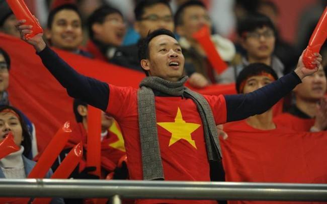 Tiểu thương Đà Nẵng treo quốc kỳ khắp chợ, nghỉ bán sớm để cổ vũ cho đội tuyển U23 Việt Nam