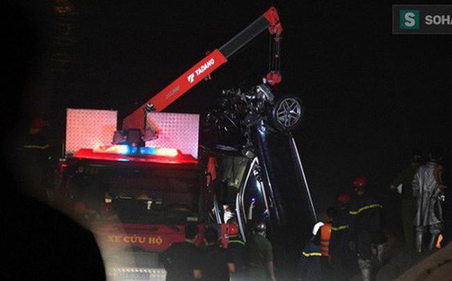 Chủ nhân chiếc xe Mercedes lao xuống sông Hồng khiến 2 người tử vong là một phụ nữ