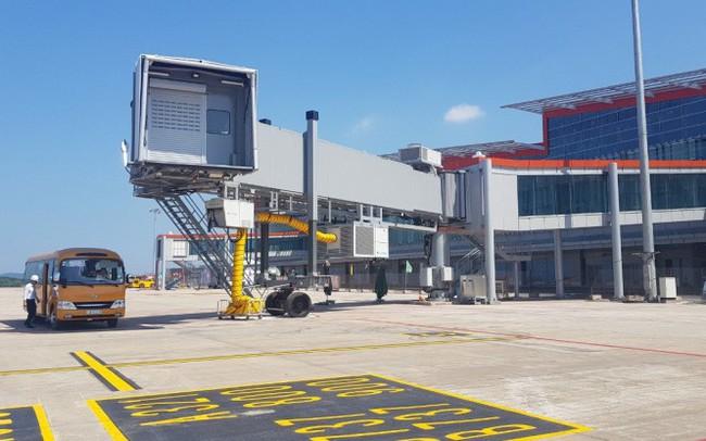 """Cận cảnh sân bay tư nhân đầu tiên """"siêu hiện đại"""" sắp khai thác"""