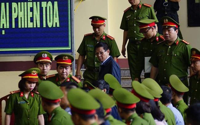 """Công bố cáo trạng truy tố ông Phan Văn Vĩnh: """"Ông trùm"""" đánh bạc khai biếu hàng chục tỷ đồng"""