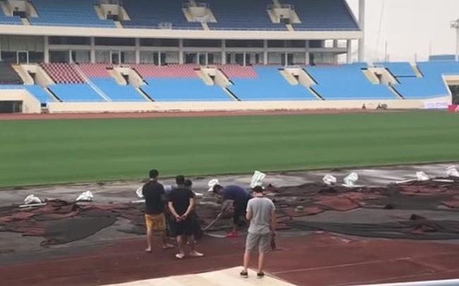 Sân Mỹ Đình ngổn ngang trước trận Việt Nam đối đầu Malaysia tại AFF Cup 2018