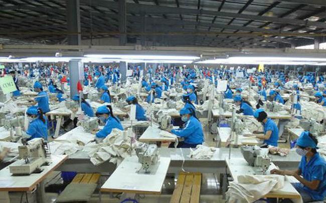 Vì đâu giá nhân công Việt Nam quá bèo?