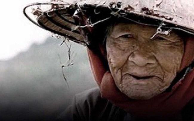 Lẩm bẩm mãi 2 từ khó hiểu, bà cụ 81 tuổi khiến ai nghe chuyện cũng xót xa và ngẫm lại mình