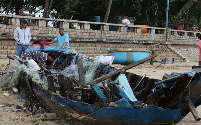 Vũng Tàu ngổn ngang, mất mát sau bão số 9