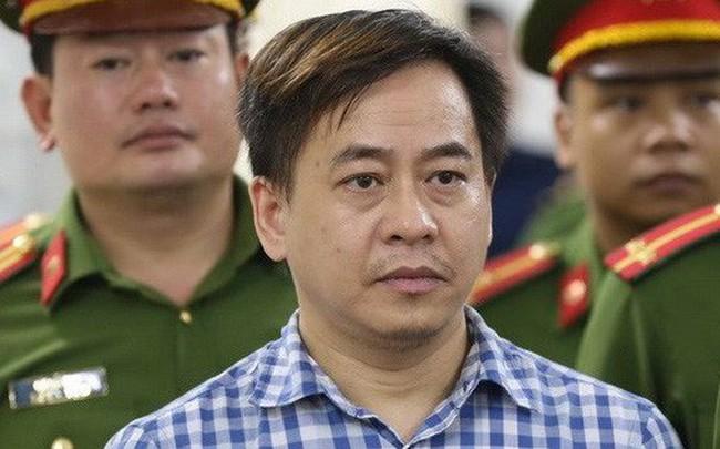 """Áp giải Vũ """"nhôm"""" vào Sài Gòn chuẩn bị cho phiên xét xử đại án ngân hàng Đông Á"""