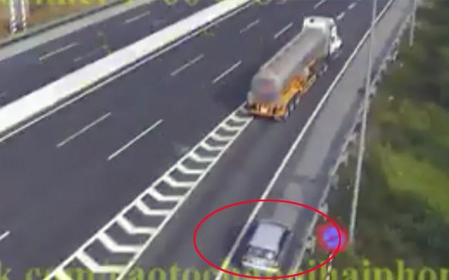 Yêu cầu xử nghiêm tài xế xe ô tô đi lùi 1km trên cao tốc Hà Nội – Hải Phòng