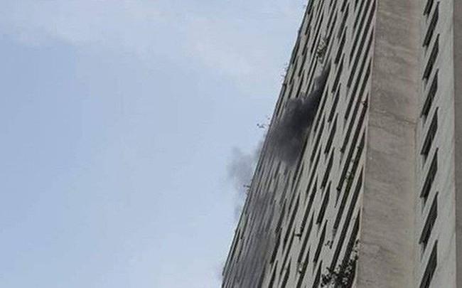 Cháy tại tầng 31 ở chung cư HH Linh Đàm, cư dân hoảng loạn
