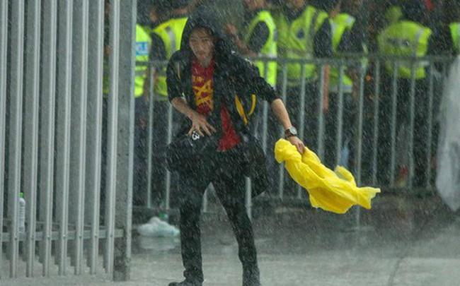 Trời tạnh mưa trước trận chung kết lượt đi AFF Cup Malaysia vs Việt Nam
