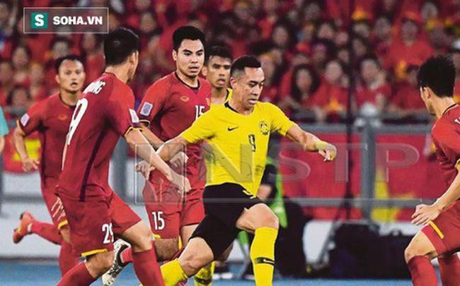 """HLV Malaysia được hai """"quân sư"""" hiến kế cách đánh bại tuyển Việt Nam"""