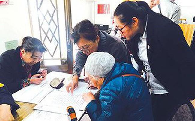 Người dân Trung Quốc đua nhau lập di chúc