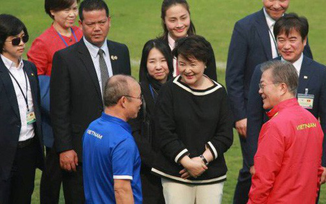 Tổng thống Hàn Quốc viết thư chúc mừng tuyển Việt Nam bằng tiếng Việt
