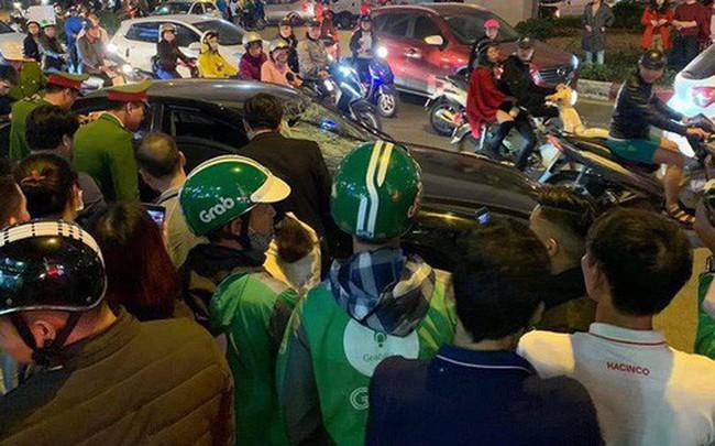 2 bà bầu nhập viện sau vụ xe Hyundai tông liên hoàn trên đường Trần Duy Hưng rồi bỏ chạy