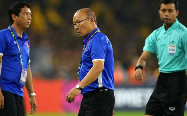 HLV Park Hang-seo chia tay 4 học trò trước ngày lên đường sang Qatar