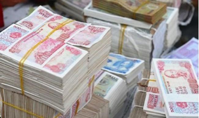 Chưa đến Tết đã loạn phí đổi tiền lẻ