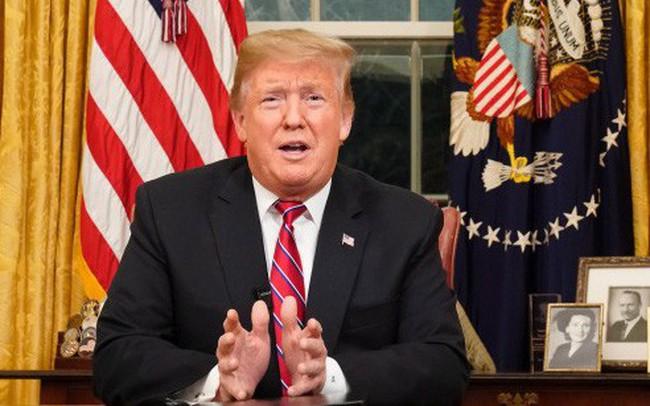 """Bỏ ra khỏi cuộc họp, gọi đàm phán với phe Dân chủ là """"phí thời gian"""", ông Trump sẵn sàng để chính phủ Mỹ đóng cửa lâu dài"""