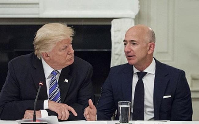 """Ông Trump chúc tỷ phú Bezos may mắn và mong rằng thủ tục ly hôn diễn ra """"tốt đẹp"""""""