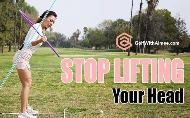 Video học golf cùng HLV xinh đẹp Aimee Cho: Thói quen xấu này sẽ khiến bạn đánh trượt bóng, tiếc là nhiều người chơi dễ mắc phải