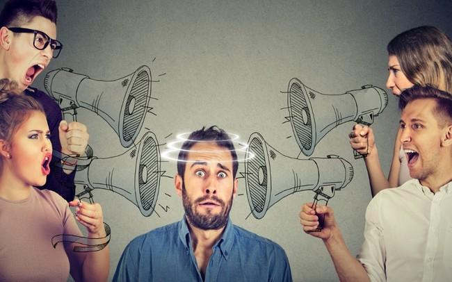 Bị chỉ trích thì có sao? Ai chê bạn càng thậm tệ thì càng xứng đáng được trân trọng suốt đời!