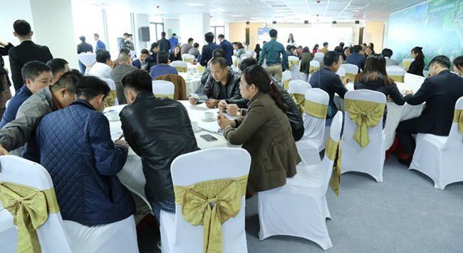 """Nhiều khách hàng tìm được cơ hội đầu tư tại sự kiện """"Cơ hội đầu tư – Chia sẻ tầm nhìn"""""""