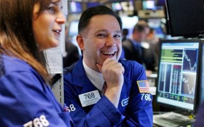 Thị trường điều chỉnh, khối ngoại mua ròng đột biến gần 600 tỷ đồng trong phiên 16/1
