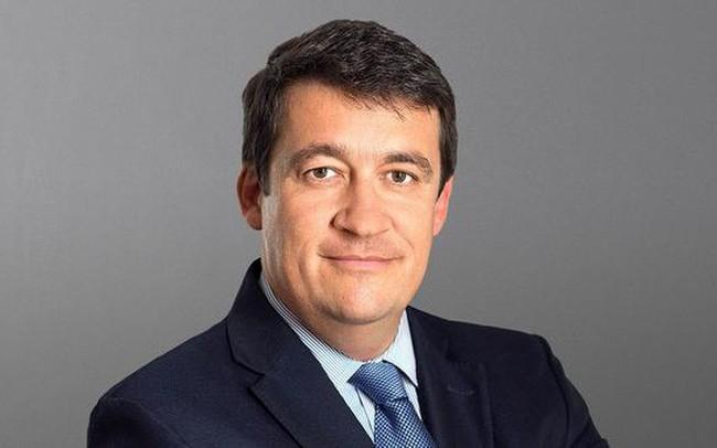 Sau bê bối mâu thuẫn với nhau vì cây cỏ của hai giám đốc điều hành, COO Credit Suisse quyết định từ chức