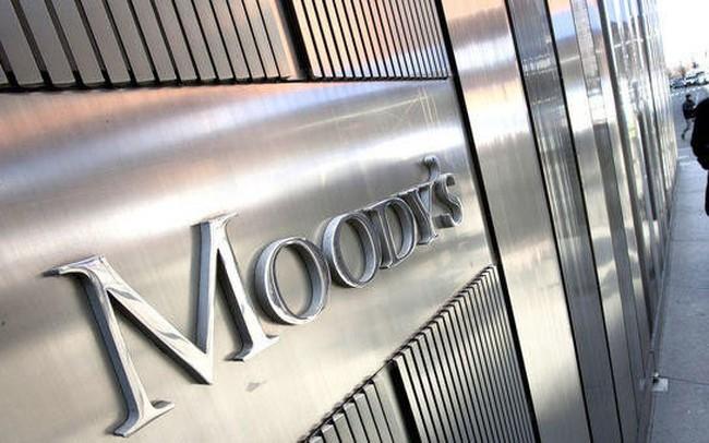 Moody's xem xét hạ tín nhiệm của 17 ngân hàng Việt Nam - ảnh 1