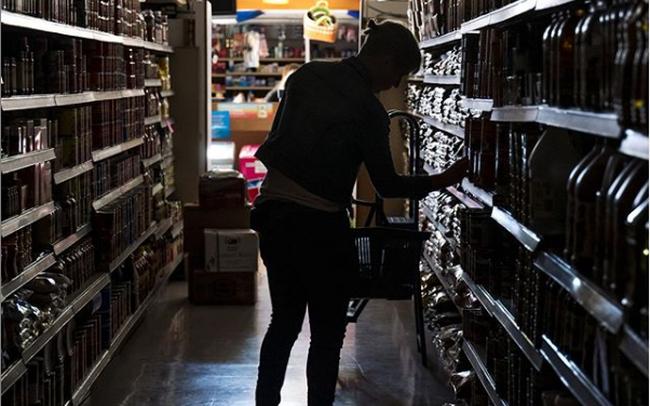 Chuyện lạ: Bang California bị cắt điện trên diện rộng, hàng triệu người rơi vào cảnh mất điện, cả 1 vùng đô thị lớn chìm vào bóng tối