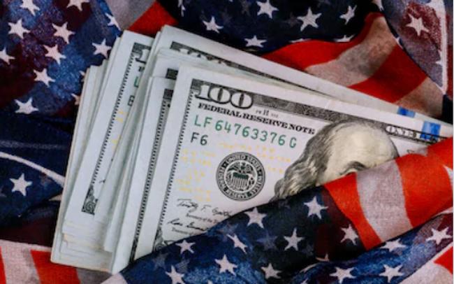 Tại sao đồng USD mạnh lên sẽ gây rủi ro cho nền kinh tế toàn cầu? - ảnh 1
