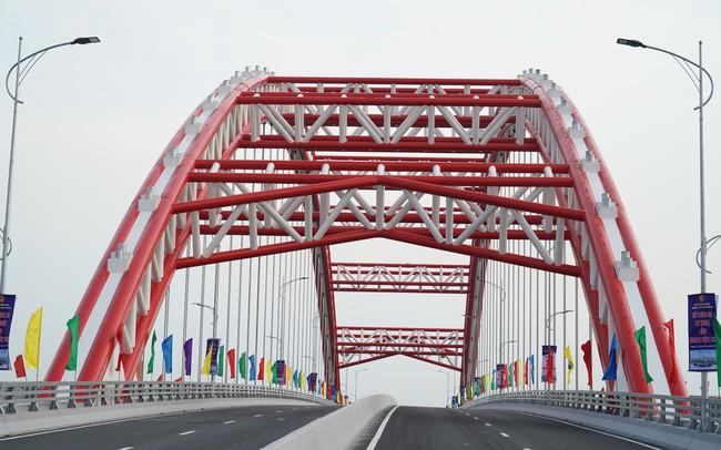 Chùm ảnh: Thủ tướng dự lễ thông xe cầu Hoàng Văn Thụ, Hải Phòng