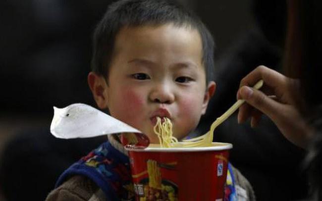The ASEAN Post: Tiêu dùng thực phẩm không lành mạnh có xu hướng gia tăng tại Việt Nam - ảnh 1