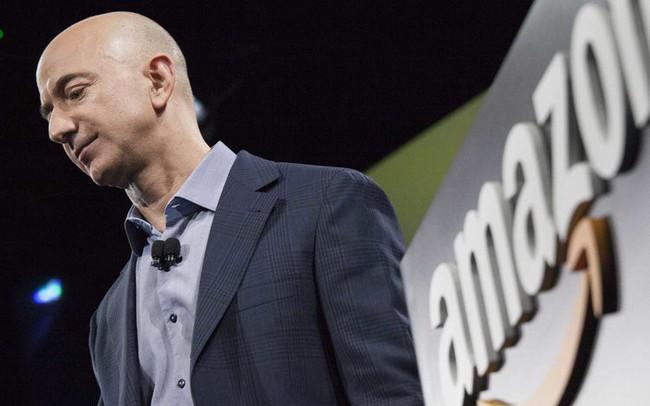 Bill Gates sắp lấy lại ngôi giàu nhất thế giới vì cổ phiếu Amazon lao dốc
