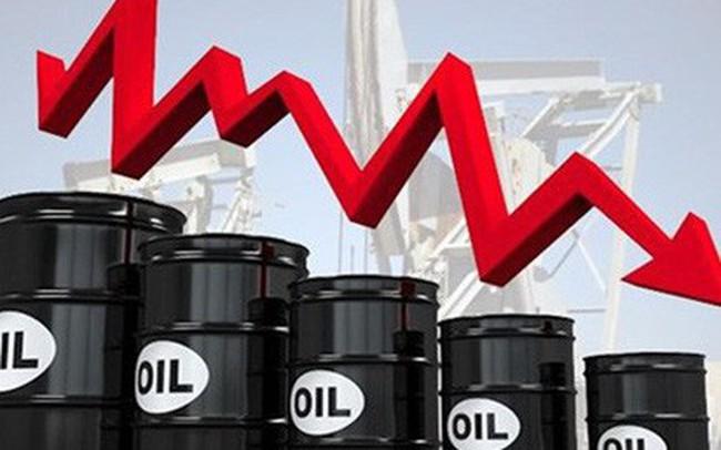 Thị trường ngày 03/10: Dầu tiếp tục lún sâu, vàng tăng