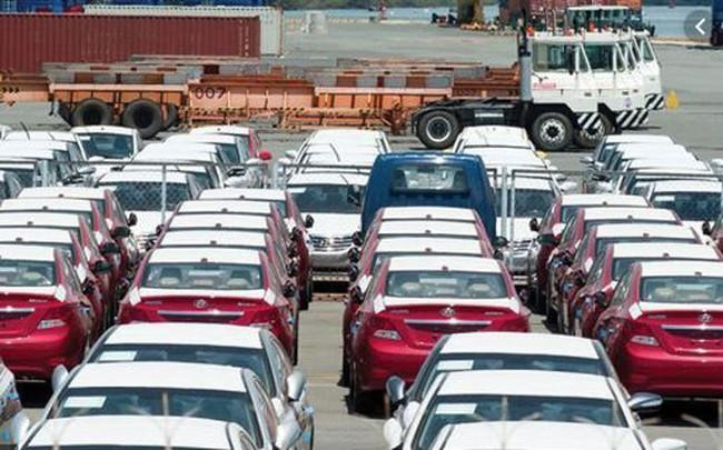 Bộ Công Thương cấp giấy phép kinh doanh nhập khẩu ô tô qua mạng từ 1/11 - ảnh 1